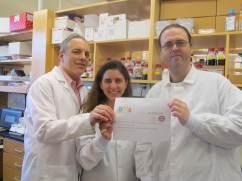 En la foto aparecen el Prof. Edelman (izquierda), Dra. Mercedes Balcells y Dr. Pedro Melgar. (derecha). Harvard-MIT Biomedical Engineering Center (Cambride ,EEUU) l